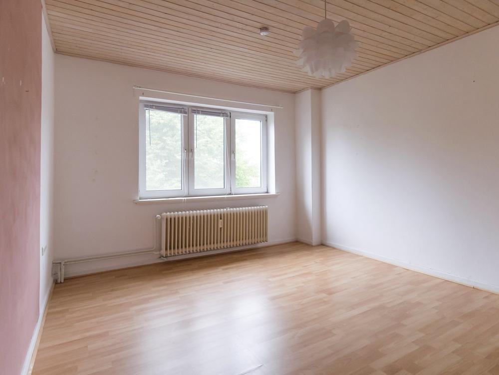 ruhige 3 zimmer wohnung mit balkon n he holtenauer stra e. Black Bedroom Furniture Sets. Home Design Ideas